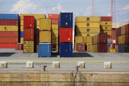 Logiscom działania logistyczne kontenery